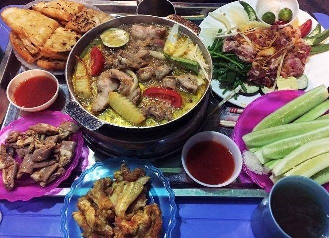 Phố Gầm Cầu- Điểm hẹn ẩm thực đồ nướng của giới trẻ Hà Nội - Kênh truyền hình Đài Tiếng nói Việt Nam - VOVTV