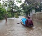 Thời tiết hôm nay: Trung Bộ tiếp tục mưa to, Bắc Bộ trời rét