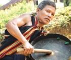 Người giữ hồn chiêng, dân vũ nơi đại ngàn đất quế Trà Bồng