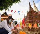 Người dân Thái Lan tiếp tục đón Tết Cổ truyền trong yên lặng
