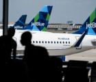 Hành khách Mỹ bị phạt hơn 10 nghìn USD vì ho và xì mũi vào chăn máy bay