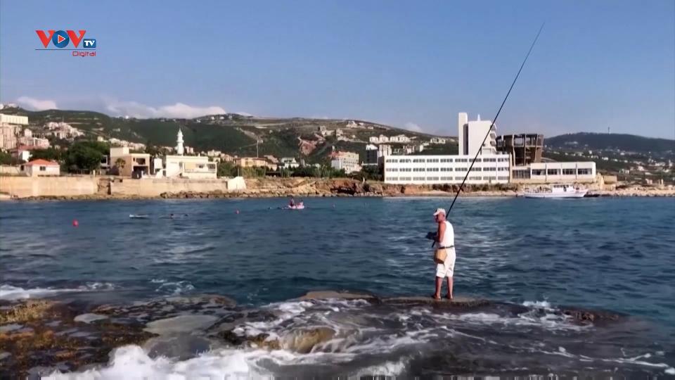 Ghé thăm thành phố duyên hải Batroun ở Lebanon