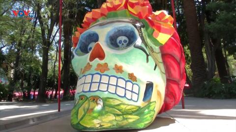 Mexico: Các tác phẩm đầu lâu lấy cảm hứng từ cố danh họa Frida Kahlo
