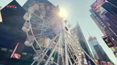 New York dựng đu quay giữa quảng trường Thời Đại