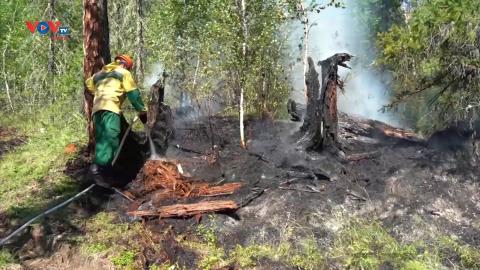 Nga nỗ lực dập tắt đám cháy gần khu vực bảo tồn của UNESCO
